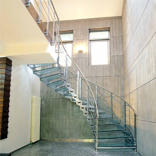 Diy modern curved staircase for Arched staircase