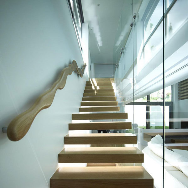 DIY Prefabricated Floating Staircase With Safety Glass