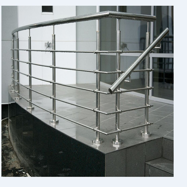 Stainless steel wire rod railing design