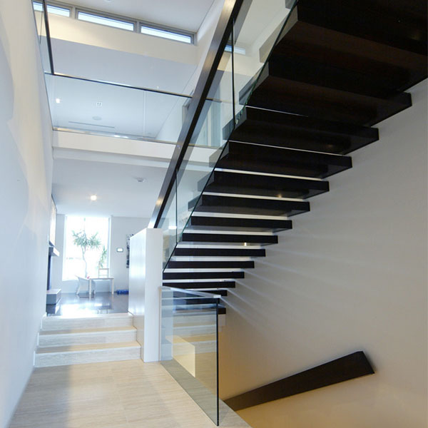 Single Stringer Wooden Or Laminated Glass Treads Floating